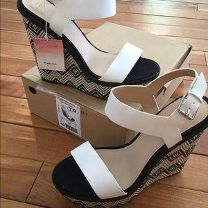 Zara white and black wedge sandal size 9